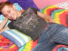 Free full length gay emo twink porn and twinks get exams at Boy Crush!