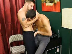 Uncut jamaican dicks and got gay porn hunks kissing their bodies at My Gay Boss