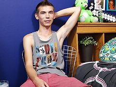 Cute boys with bulges photos and sex boy cute pic at Boy Crush!