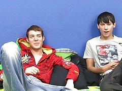 Cute boys videos free and emo gay pornography at Boy Crush!