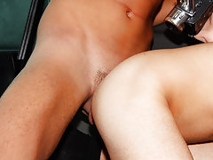 Naked guy groups and online gay foot toe fisting groups - at Boys On The Prowl!