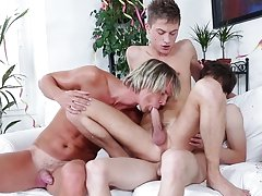 Australian gay surf twin at Staxus