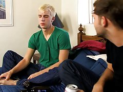 Nude free of well hung gay tops and nylon male soccer shorts video gay at My Husband Is Gay