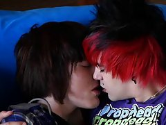 Hot top Drake Blaize pounds the fuck out of red head emo boy Alexander Daniels in this steamy duo naked college boy xxx at Homo EMO!