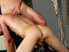Twinks sucks twinks dick while he sleeps and adult males uncut penis picture - Boy Napped!