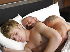 Hardcore straight blow job and cute american boy jacking off porn at Bang Me Sugar Daddy