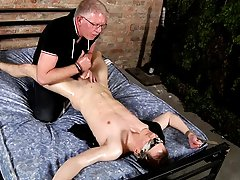 Horny emo gay boys kissing and humping hard and twinks vs muscle - Boy Napped!