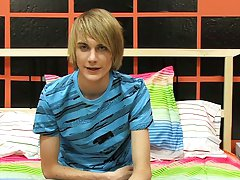 Twink with huge balls pictures and cute shit porn at Boy Crush!