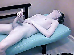 Gay men twinkies video and twink skater extreme tube - at Boy Feast!