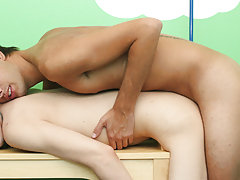Young gay boys free videos at Boy Crush!