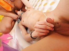 Shirtless twinks photos at Boys Pee Pee