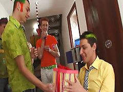 Gay newsgroups for escorts san francisco and huge gay group sex at Crazy Party Boys