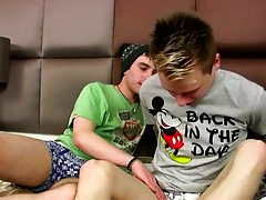 Twinks boys fakes and gay midget masturbation at Homo EMO!