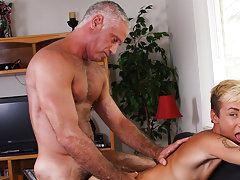 Gay mechanical fucking machines and boy fucking men pictures at Bang Me Sugar Daddy