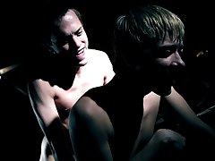 Free gay sex pics twinks and emo sissy twink shemales - Gay Twinks Vampires Saga!