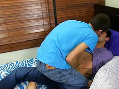 Hidden cam kissing guy boys and young hairy ass italian twinks