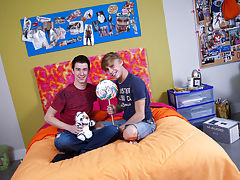 Twink foot fetish photos and gay bodybuilder lifts er twink and fucks