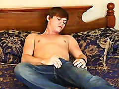 Twinks sunbathing thongs free pics and gay twinks nude boys - at Boy Feast!