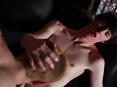 Porno twinks movie tube and cute blonde bubble butt latin twink - Gay Twinks Vampires Saga!