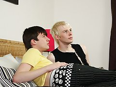 Homo EMO hairy chest  men gay fre at Homo EMO!