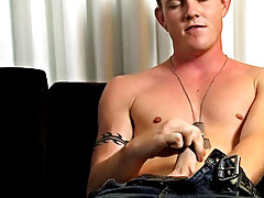 Hot sweaty muscle stud Landon takes no time in getting his outcrop hard dick out, this ex military boy really knows how to work his dick, he gets fast