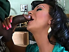 Tranny Seducers interracial shemale blowjob